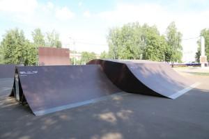 Спайн и флай-бокс в скейт-парке в г.Йошкар Оле