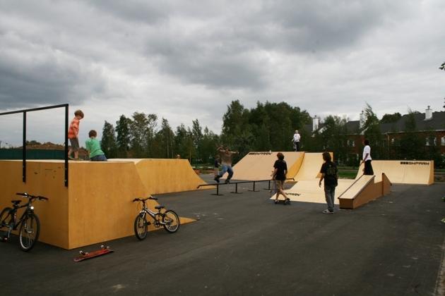 """Скейт-парк в международном жилом комплексе """"Росинка"""""""