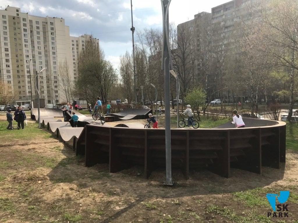 Установка памп трека на Теплом Стане, Москва