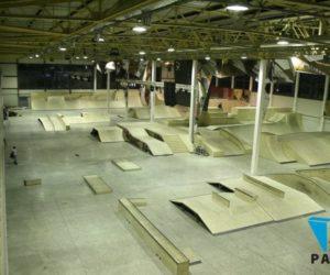 бетонный пол в крытом скейт парке