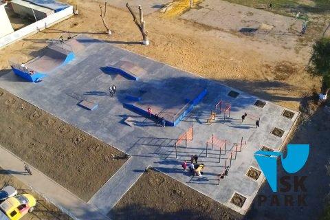 Фото Скейт парк и воркаут площадка в Тамани