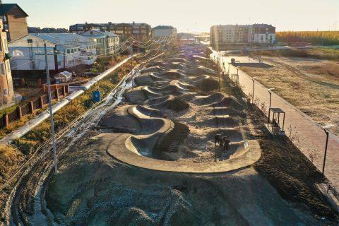 Фото Самый длинный асфальтовый памптрек в России г. Тарко-Сале
